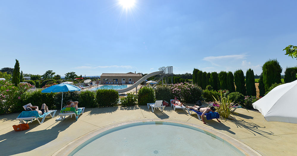 Camping grillon le garrigon en vaucluse provence for Camping vaucluse piscine