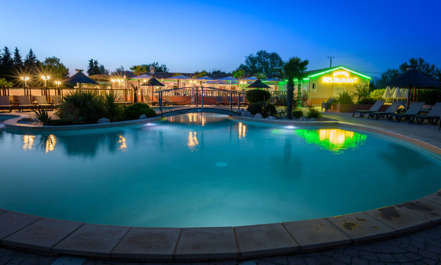 Camping les fontaines pernes les fontaines en vaucluse for Camping vaucluse piscine