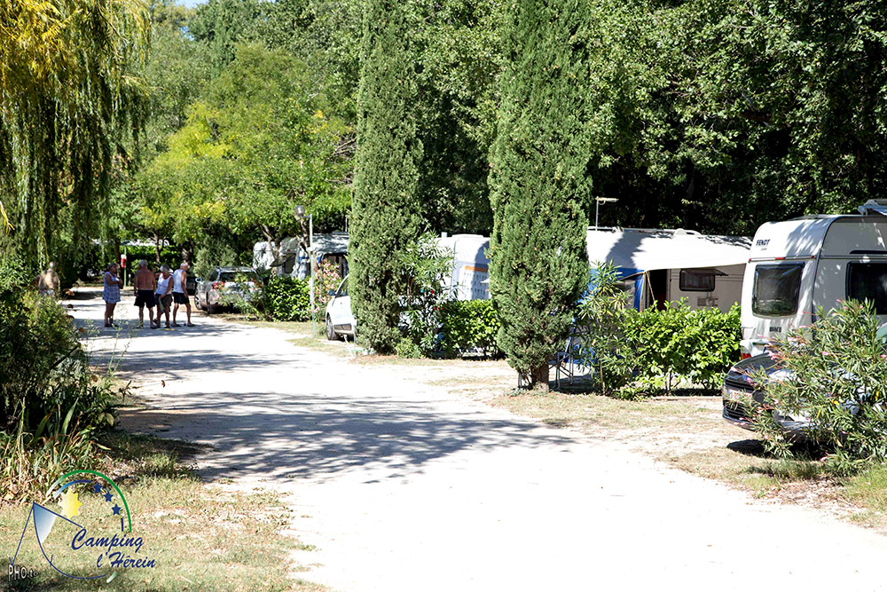 Camping visan l 39 h rein en provence vaucluse for Camping vaucluse piscine